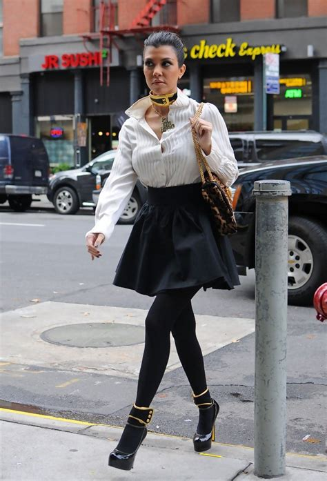 kourtney kardashian mini skirt kourtney kardashian
