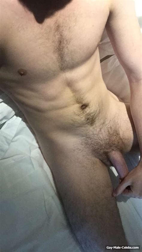 omg game of thorne star eugene simon lancel lannister leaked nude and jerk off video gay