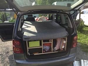 Auto Schlafen Matratze : vw touran als campingbus umr stbar seite 2 forum ~ Jslefanu.com Haus und Dekorationen