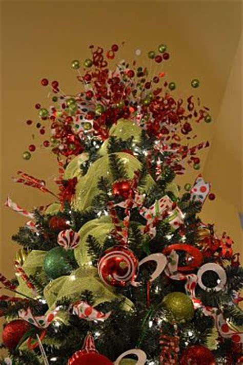 good life  design    top  christmas tree