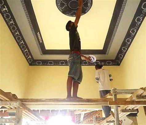 proses pengecatan atap plafon gypsum model minimalis