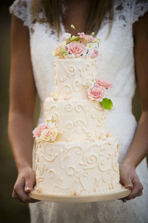 rustic wedding cake ideas   detail