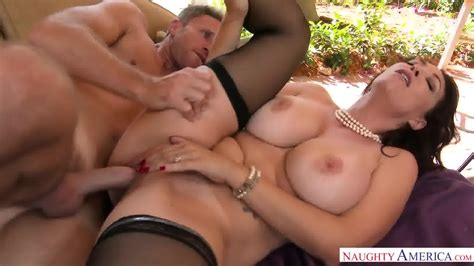 Big Tits Of Horny Mom Eporner