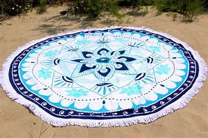 Serviette De Plage Ronde Eponge : serviette de plage ronde lotus bleu tendances du monde ~ Teatrodelosmanantiales.com Idées de Décoration