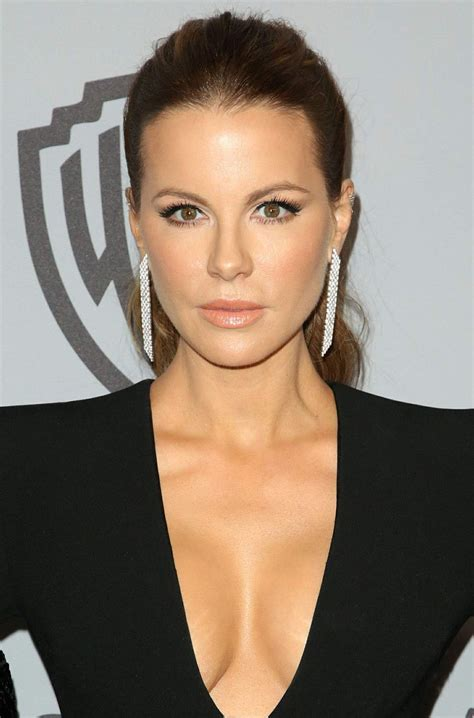 actress similar to kate beckinsale hot celeb women kate beckinsale 2018 golden globes