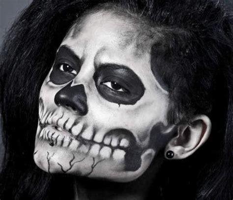 skelett gesicht schminken schminktipps mit gruselfaktor markt de