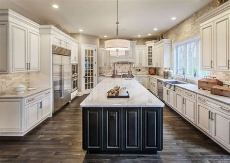 Best Kitchen Colors With White Cabinets by 28 Antique White Kitchen Cabinets Ideas In 2019 Remodel