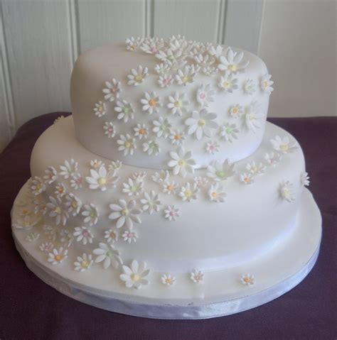 Two Tier Wedding Cakes Too Nice To Slice