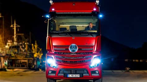 mercedes actros  high tech truck youtube
