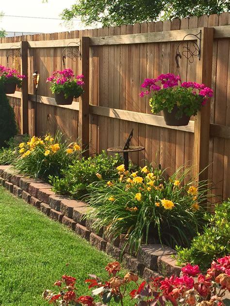 decorating ideas  patio fences
