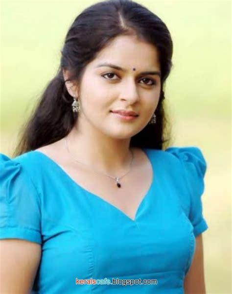 malayalam actress roma hot  kerals cafe