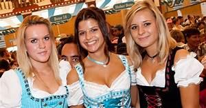 Oktoberfest Girls: Three Oktoberfest Girls
