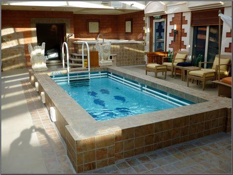 desain rumah minimalis  kolam renang desain rumah