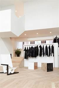 Best 25 clothing store design ideas on pinterest for Interior decorating online store