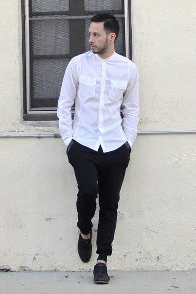What Color Jeans Goes Best With White Shirt Quora