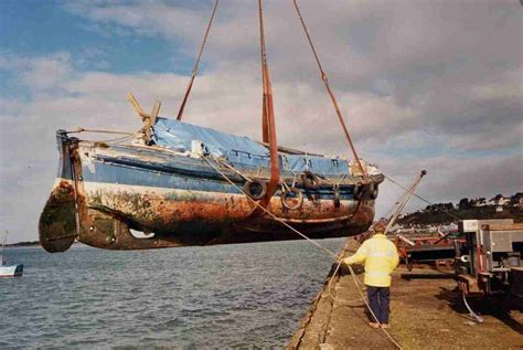 Wooden Boat Hull Repair by Where To Get Replacing Wooden Boat Planking A Jke