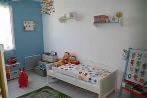 Chambre Enfant Blanc : chambre de mon tilou photo 1 5 vue de la porte ~ Teatrodelosmanantiales.com Idées de Décoration