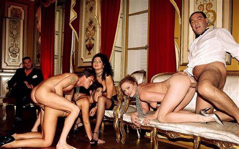Olivia Del Rio Roberto Malone Hot Girl Hd Wallpaper
