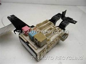 2007 Toyota Yaris Fuse Box - 82730-52610 - Used