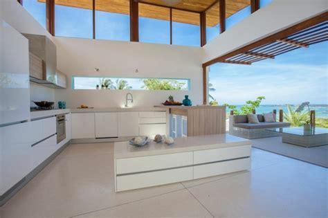 fenetre bandeau cuisine fenêtre bandeau pour déco de cuisine contemporaine