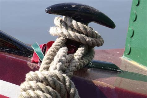 Canal Boat Mooring Knots by Guide To Narrowboat Ropes Lines What Rope Should You