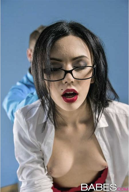 Sheri Vi in Overtime by Babes.com (16 photos + video) | Erotic Beauties
