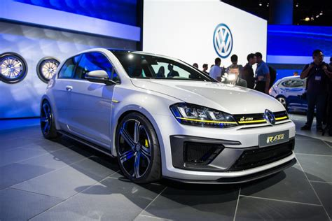 2019 Vw R400 by Vw Golf R400 Concept Does 0 62 In 4 Seconds