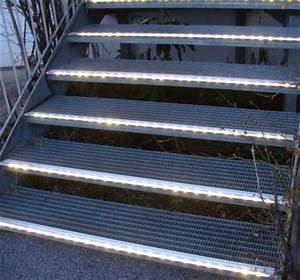 Treppenbeleuchtung Led Außen : treppenkantenprofile treppenprofile treppen beleuchtung led ketten led lichtschlauch ~ Markanthonyermac.com Haus und Dekorationen