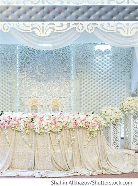 brautpaartisch dekoration fuer russische hochzeiten