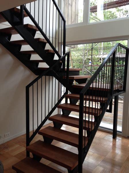 foto escalera metalica  gradas de madera de cvg spa