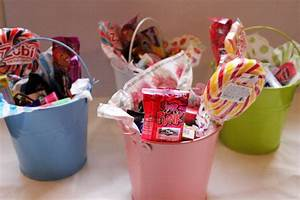 How to make a candy bucket?