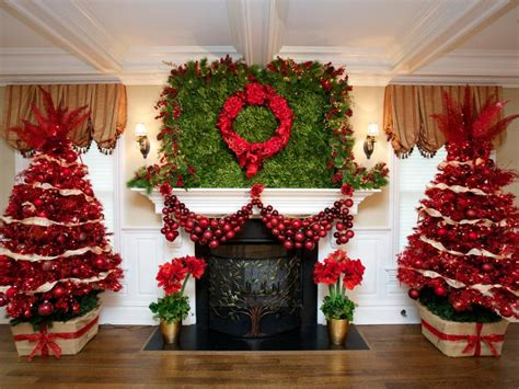 Red Christmas Tree Decorations Ideas