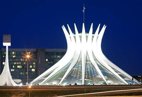 le siege des nations unis douze bâtiments emblématiques de l 39 architecte oscar niemeyer
