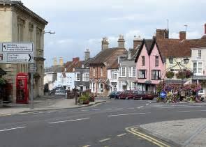 File:Thornbury.high.street.pumparea.arp.750pix.jpg - Wikipedia