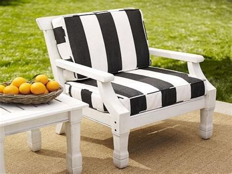 white outdoor sofa walmart patio cushions clearance