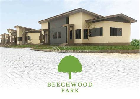 sale bedroom semi detached bungalow gated secure estate beechwood park estate