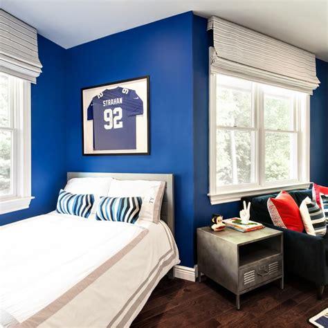royal blue bathes  walls   kids bedroom