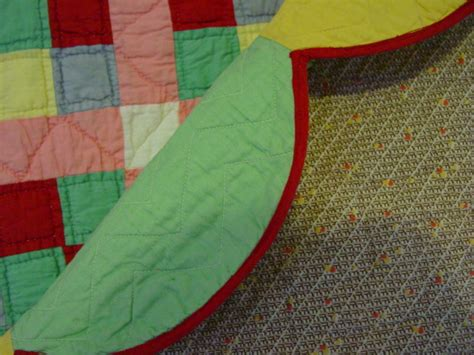 sixteen block quilt  unusual border  cindy