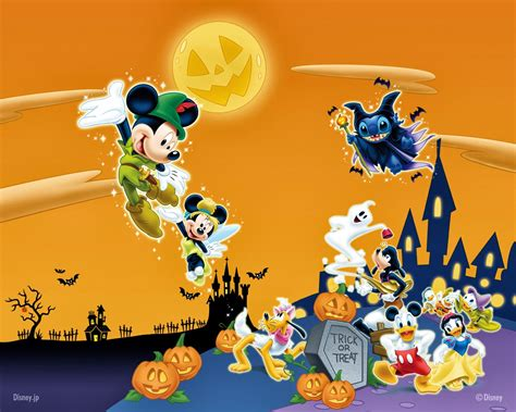 Trick-or-treating With Mickey & The Gang