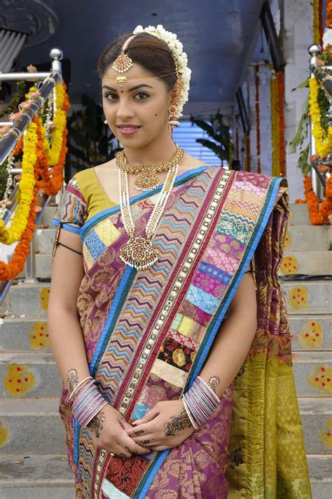 actress richa gangopadhyay  hot saree bridal makeup