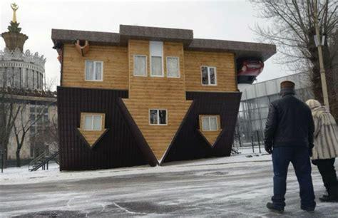 Haus Kaufen In Russland by Umgedrehtes Haus In Russland Erstaunliche Sehensw 252 Rdigkeit