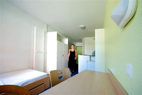 chambre universitaire lille logement étudiant le cnous veut remplir ses résidences