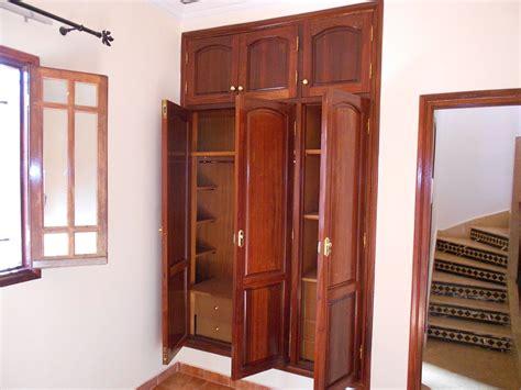 placard de chambre en bois placard de rangement pour chambre placard rangement