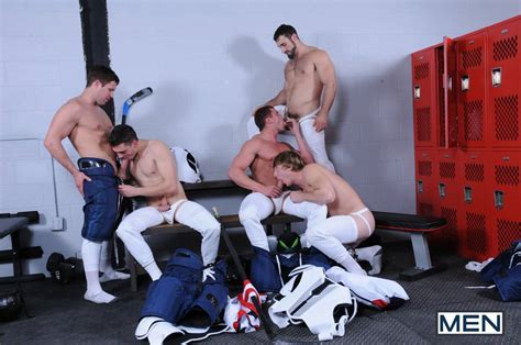 THE PRIVATE LOCKER ROOM FOR HOCKEY TEAM USA Daily Squirt