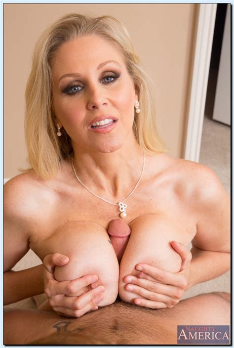 Hot Milf Julia Ann Enjoys Hard Twatting And Takes A