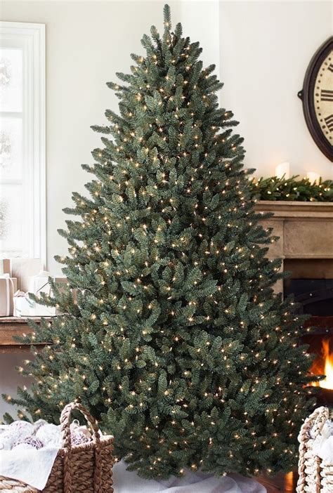 review of balsam hill trees top 5 best prelit trees 2018 reviews parentsneed