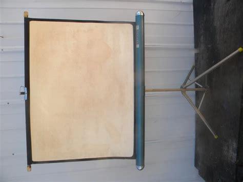 vintage radiant    projector screen wtripod