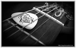 Guitar Picks by AjeZ on DeviantArt
