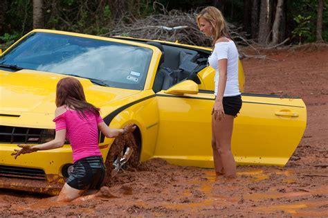 Camaro Gets Stuck In The Mud