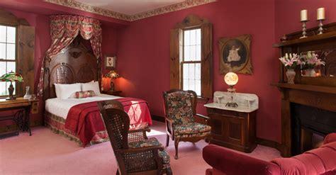 queen victoria suite ravenwood castle